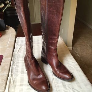 BORN Crown Distressed Brown Leather Boots  9 1/2
